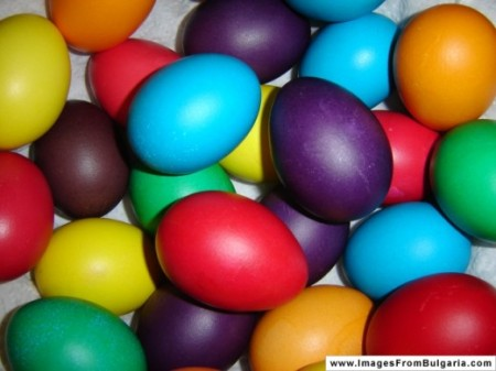 colorful-eggs
